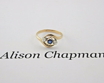 Art Deco 18ct Yellow gold Ceylon Sapphire and Diamond Trilogy ring size M 1/2