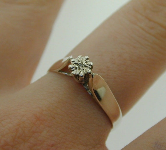 72623fb294bc0 Vintage 9 Carat Gold and Diamond Solitaire Engagement Ring 1.5 g size 'M'  1983