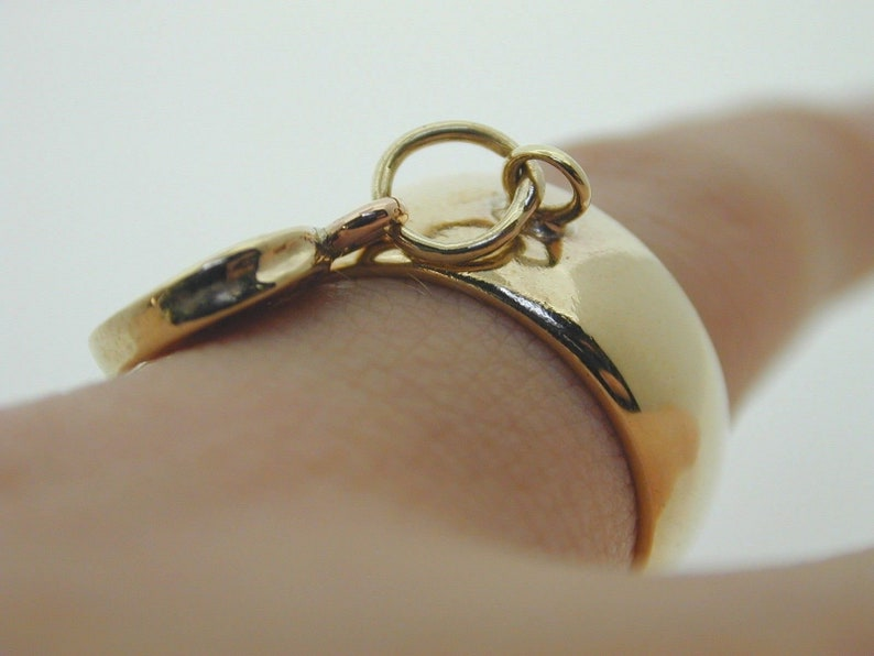 Vintage St Christopher 9 ct gold charm ring wide D band 1972 size I 12 6.3g