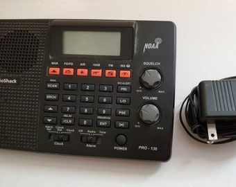 Radio Shack Pro-136 Radio Scanner 200 Channel Memory w/ Power Cord and antenna