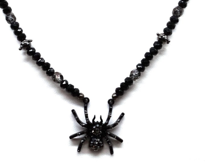 Spider Necklace All in Black