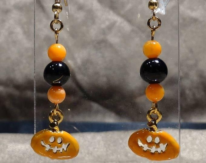 Smiling Pumpkin Earrings