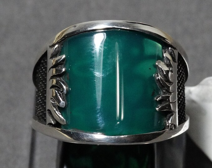 Emerald and Sterling Silver Feathers Ring