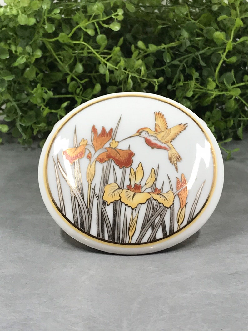 Mothers Day Gift Round Jewelry Dish Vintage Jewelry Box Porcelain Jewelry Box Hummingbird Trinket Dish Floral Ring Dish