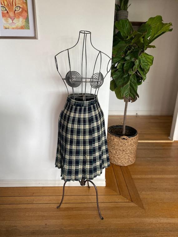 Vintage women's skirt / Vintage kilt / Women's pla
