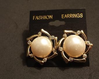 Starflower Button Earrings