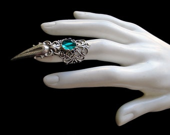 Victorian Gothic Claw Ring - Emerald Green - Vampire Prince - Goth - Steampunk - Wiccan - Witchy - Metal - Punk - Rock - Fantasy