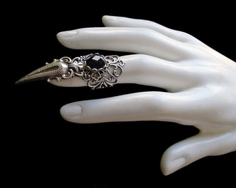 Claw Ring - Black - Onyx - Gothic - Vampire Prince - Witch - Goth Style - Witchy - Wiccan - Metal Fashion - Punk - Sorcerer - Halloween