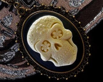 Sugar Skull Cameo Necklace - Día de los Muertos - Day of The Dead - Halloween - Calavera - Gothic - Skeleton - Macabre - Bizarre