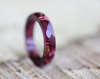Ruby resin faceted ring with copper flakes, hypoallergenic ring