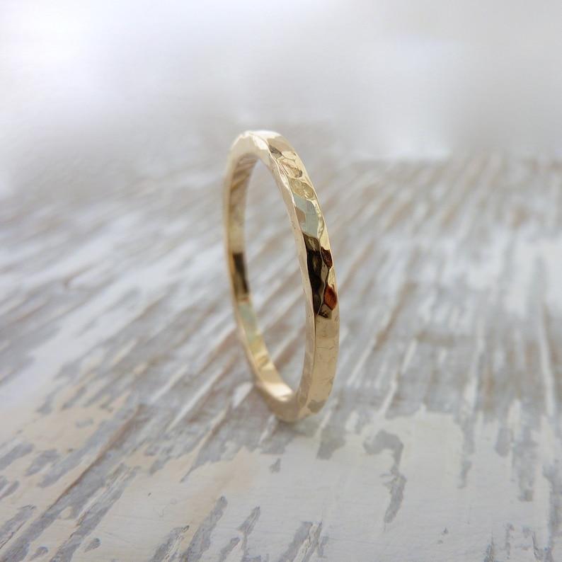 Thin mens wedding band Thin womans wedding band Skinny ring Simple wedding band 1.5mm 9ct Gold wedding ring Thin gold wedding ring