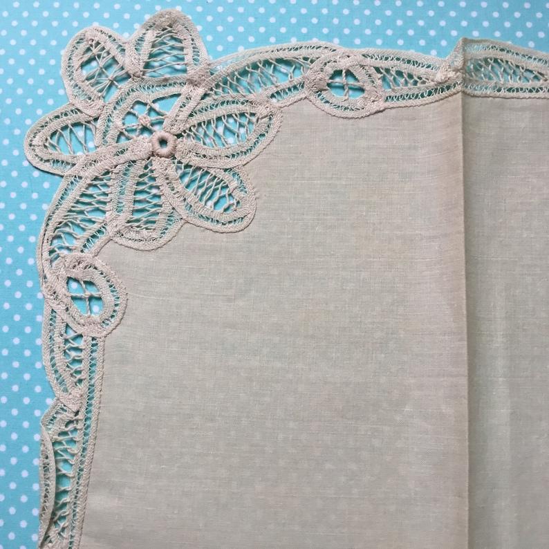 13 piece doilie set off white NOS doilies lace doilie lace tablerunner new old stock linen placemats lace placemats linen doilies