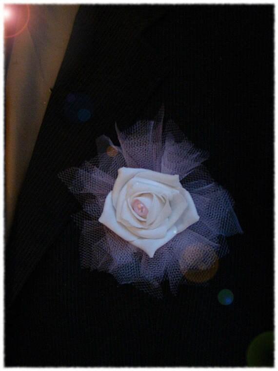 Boutonnière rose blanche et tulle rose et blanc perle rose | Etsy