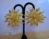 Glamorous 1980 High end Fashion Dynasty white clip on chrysanthemum Earring mother of the bride glam statement piece fabulous