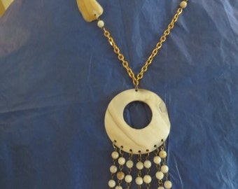 Fabulous Vintage Mother of Pearl Shell 70s Boho Tassel necklace