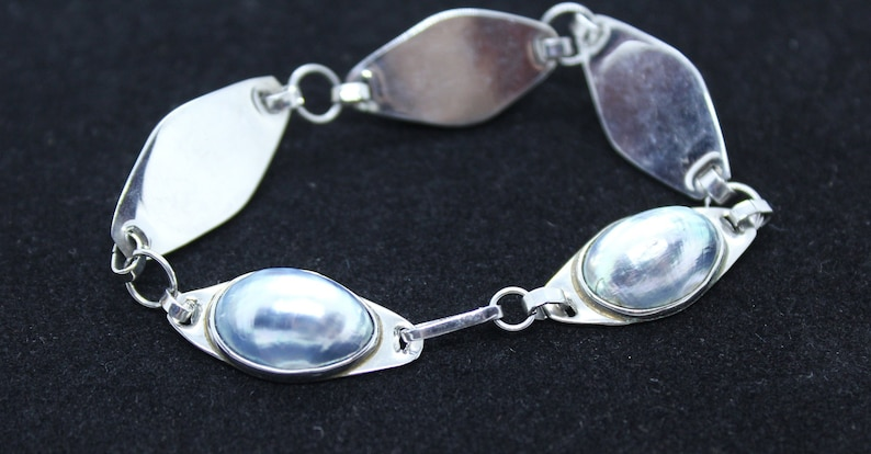 Vintage Gray /&  Silver tone 3 piece set Ring Braclet Necklace mid century Fashion