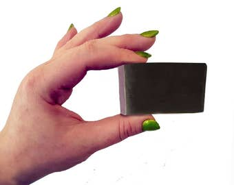 Nettle Soap for Eczema, Psoriasis, Dry and Sensitive Skin. 30g Wee Mini Guest Soap. Vegan, Natural, SLS and Parabens Free