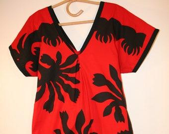 bb66437b2008 Mamo Howell Vintage Hawaiian long luau V neck dress.Slit skirt RED BLACK  bold print hawaiian very well made .perfect condition size P