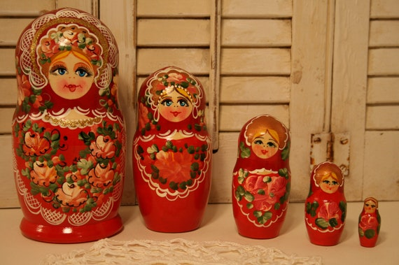 Nesting Dolls Russian Matryoshka Traditional Babushka Stacking New Set 7 pcs 5in