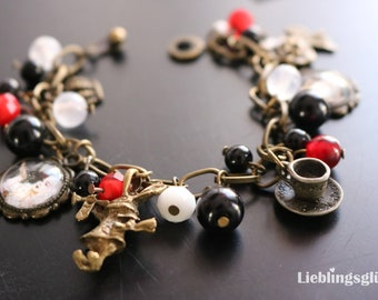 Alice in Wonderland bracelet white and Red Queen