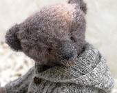 Artist Teddy bear Old ted...