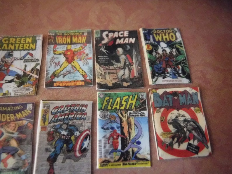 2  Mini Vintage CAPTAIN AMERICA comics  Dollhouse  1:12 scale OPENING WITH PAGES