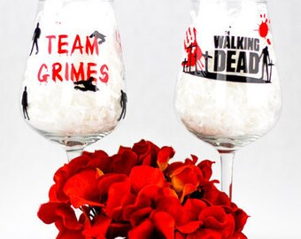 Walking Dead Glass/Zombie Apocalypse/twd/the walking dead/walking dead gift