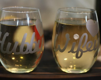 Hubby & Wifey Wedding Glasses | Stemless Wine Glasses | Engagement Gift | Wedding Gift | Bridal Shower Gift | Custom Made Wine Glasses