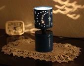 Lampada Barattolo Di Latta : Articoli simili a barattolamp lampada con barattoli di latta su etsy