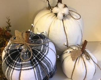 Pumpkin. 3 Fabric pumpkins. Fabric Pumpkins. Halloween pumpkins. Halloween decor. Fall Pumpkins. Stuffed pumpkins. Fall decor pumpkins
