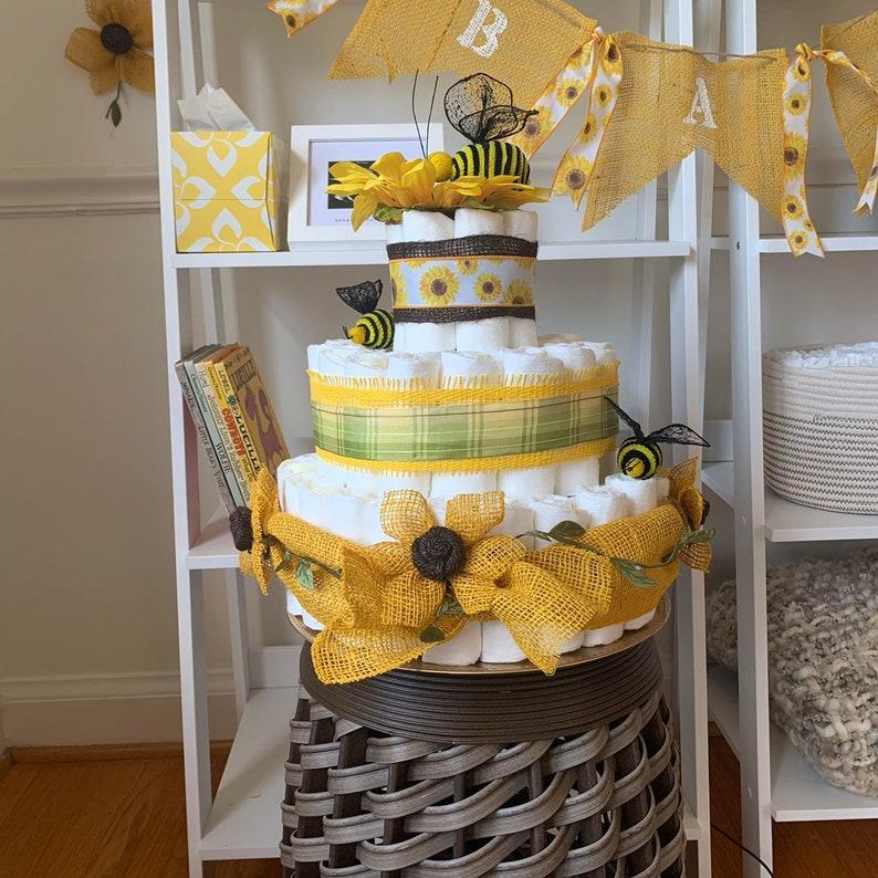 Sunflower themed cake   Desserts, Themed cakes, Cake