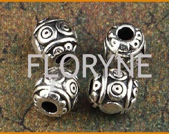 4 oval beads and carved, silver, 7mm