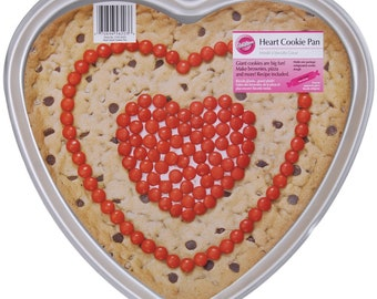 Giant Heart Shaped Cookie Pan Valentines Day Wedding Anniversary Wilton