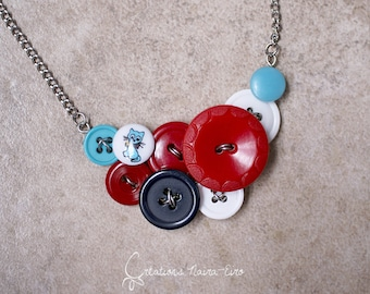 Bib blue cat buttons necklace - bright red, sky blue, navy blue, white and silver - recycled vintage buttons - Créations Naïra-Eiro