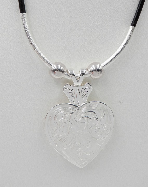New GIST SILVERSMITHS Engraved Sterling Silver Heart Earrings
