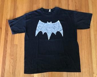 Vintage 90s Classic Batman Black & White T Shirt. Size XL