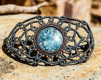 AZURITE Macrame Bracelet with Azurite, Healing Stones, Modern Macrame, Birthstone Jewelry, Hippie Chic, Bohemian Jewelry, Gemstone Bracelet,