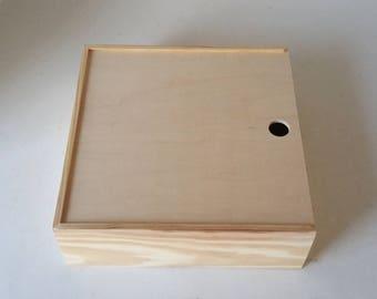 "Pie Box 11 x 11 x 4"" Wooden Box Pie Style Sliding Lid Keepsakes Trinket Housewarming Gift Carrier (11x11x4 Sliding lid pie box. Unfinished)"
