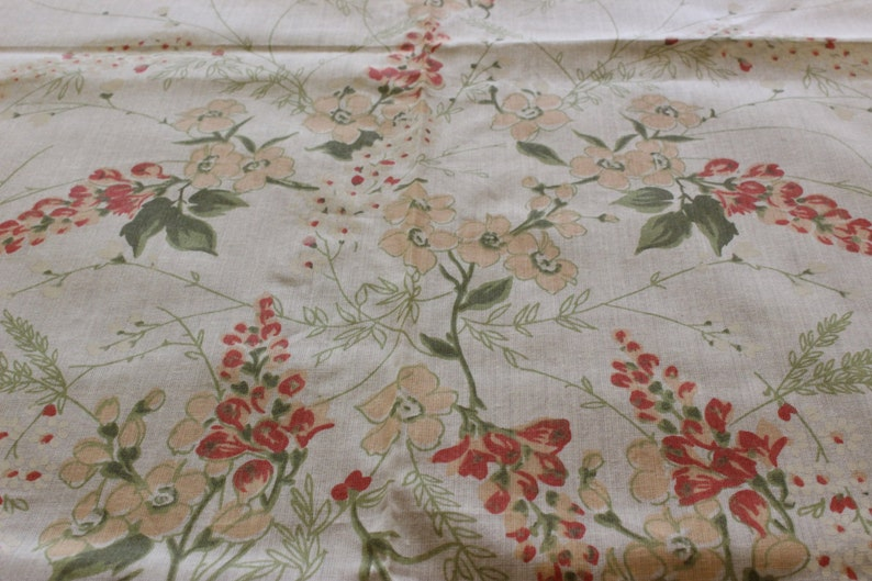 Orange and White Flowers with Olive Green Scalloped Edge Vintage Rectangular Beige Cotton Tablecloth Floral Tablecloth Setting for 6