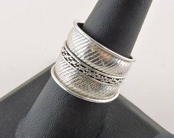 Size 8 Sterling Silver Textured Tapered Wide Band Ring