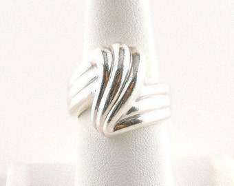 Size 8 Sterling Silver Textured Chunky Swirl Band Ring (8.7 grams)