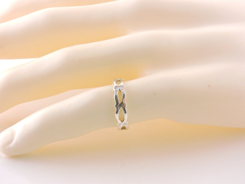 Size 7 Sterling Silver Open Link Band Ring