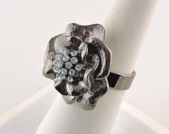 Size 7.5 GrayTone And Rhinestone Flower Ring