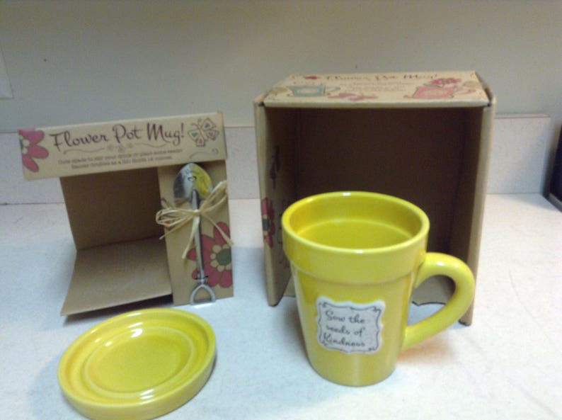 Flower Pot Mug Sow The Seeds of Kindness engraved on Flower Pot with Matching Saucer and Silver Metal mini-Spade