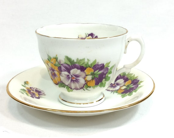 Shabby Chic Tea Cup, English Tea Cup, Yellow & Purple Pansies, Gold Rims, Crownford China, 1950s, Vintage Tea Cup,
