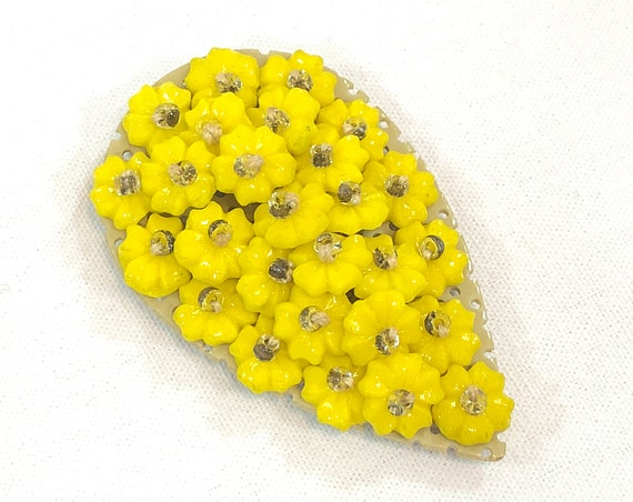 Bright Yellow Plastic Flowers Dress Clip, Small Floret Beads Clear Rondelles, Spring Summer Jewelry, 1940s Vintage Fashion Jewelry
