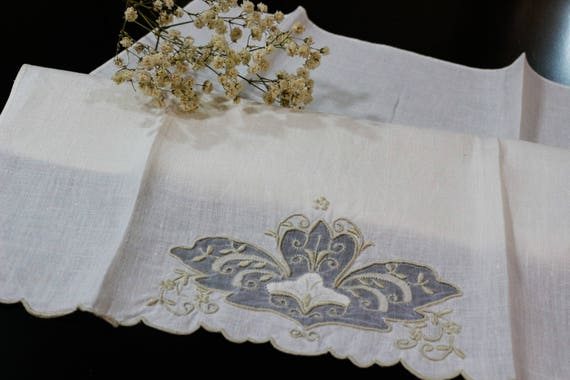 Ivory Linen Hand Towel, Organdy Insert, Raised Taupe Embroidery, Flower Floral Motif, Shabby Cottage Chic, Vintage Madeira Linens