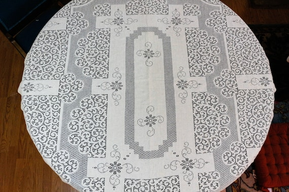 Woven Lace Tablecloth, Quaker or Nottingham Style Lace, Ecru Beige Flowers & Scrolls, 49 x 56, Shabby Cottage Chic Weddings Vintage Linens