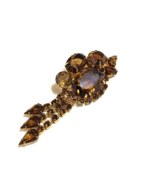 Brown Root Beer Rhinestone Dangle Brooch, Asymmetric Large Open Back Crystals, Goldtone Setting, 1960s Vintage Statement Jewelry
