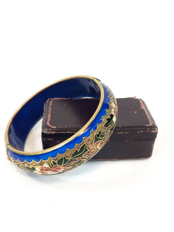Chunky Cloisonne Hinged Bangle, Wide Brass Chinese Export Bracelet, Cobalt Blue Champleve Red White Camellia Flowers Vintage 1940s Jewelry